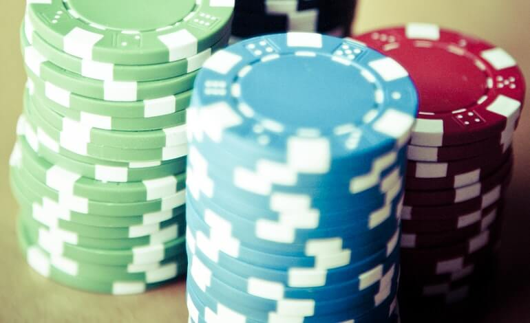 online gambling sector largest in the uk featured image news